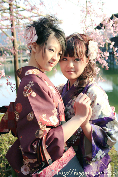 "<a href=""http://kagami.pixnet.net/blog/post/26561160"">和服體驗</a>:Yuki & Mei"