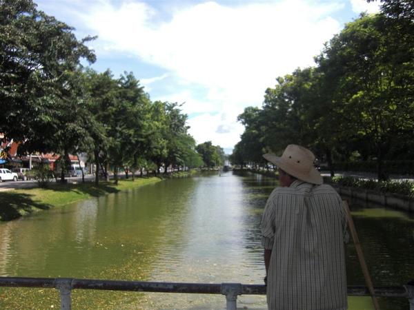 清邁護城河一景