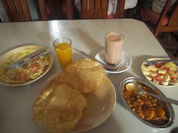 尼泊爾早餐(也太豐盛)
