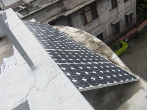 又是太陽能板