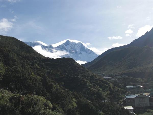 據說是Lotse(世界第四高峰-8516m)