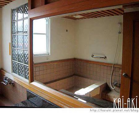 谷關-統一渡假村-泡湯浴室.jpg