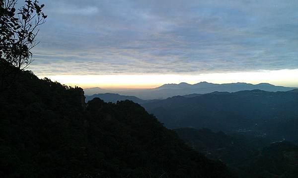 回程看到的往天王峰的路上時間快不夠啦