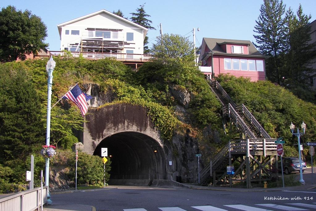 Ketchikan,_Alaska_tunnel
