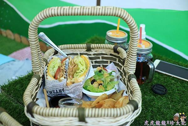 105.10.25曲尼的公園野餐IMG_2072.JPG