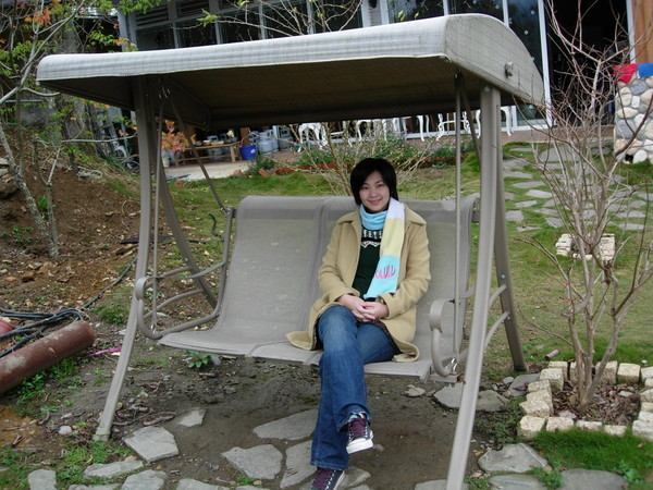 民宿外的搖椅~黃慶果園
