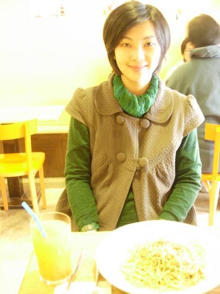 我的青醬麵太亮啦!!