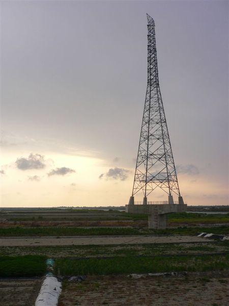 孤單的電塔