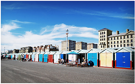 visit-brighton-beach-huts
