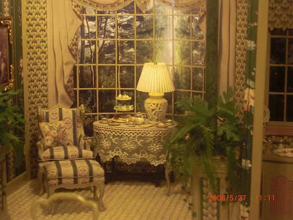 面向森林的主臥室2