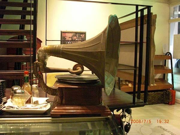 復古留聲機