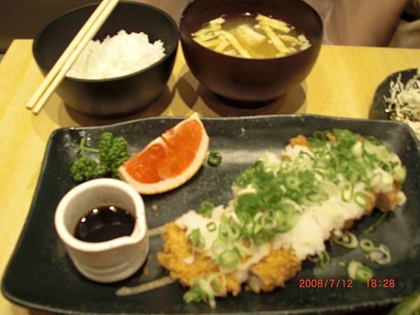akira的蔥花蘿蔔泥里脊豬排套餐