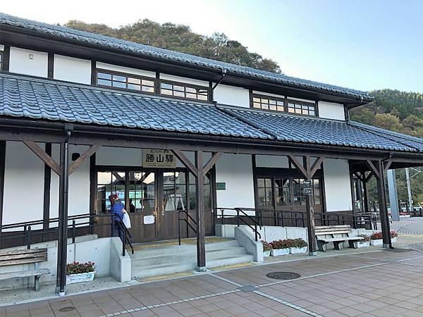 離開勝山車站.jpg
