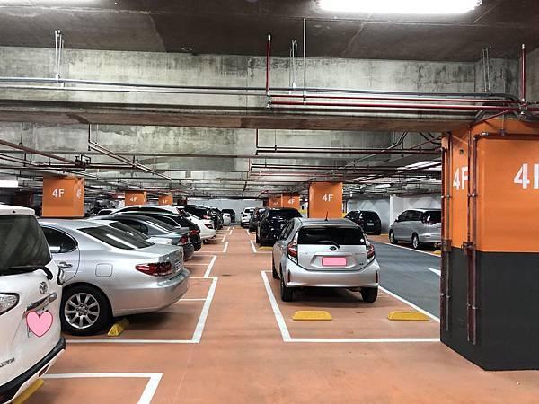 4F停車場.jpg