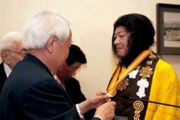 H.H.第三世多杰羌佛獲頒世界和平獎.jpg