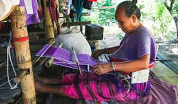 玩轉泰國領略泰北大自然風光:會織布的克倫族