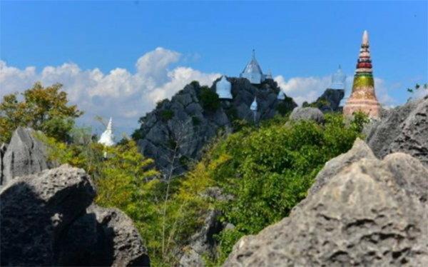 玩轉泰國領略泰北大自然風光:空中白塔