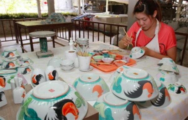 玩轉泰國領略泰北大自然風光:南邦彩陶繪製