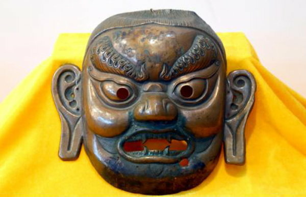 神奇的滿族薩滿面具