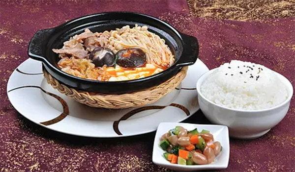 柬埔寨美食:柬埔寨豬肉飯