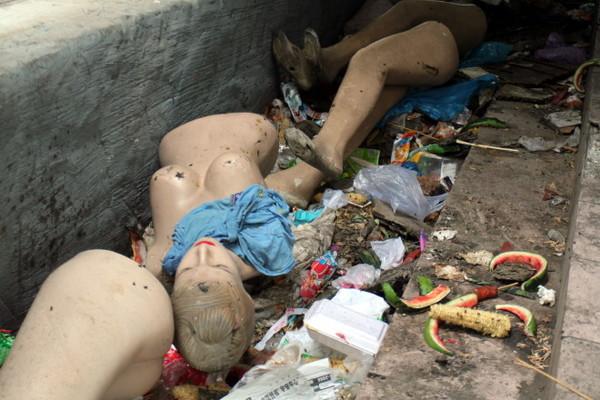 巷內垃圾堆