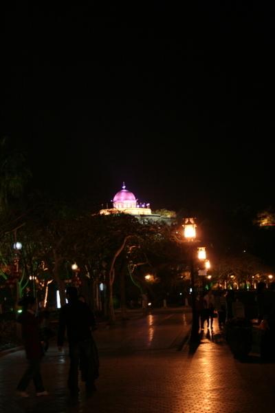 夜晚遠望風琴博物館