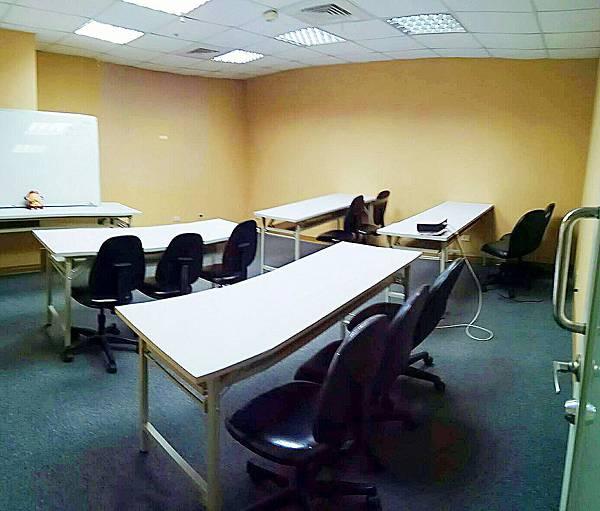 台中教室出租-嘉寀萌商務中心- A區小型研習分享會空間