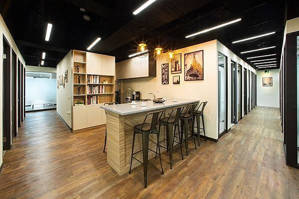 台中教室出租-【亞巨聯合商務中心】專業會議室