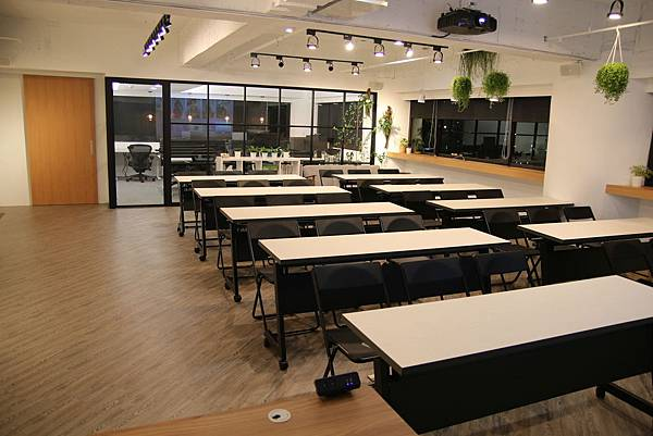 台中教室出租-【Monospace 共同工作空間】