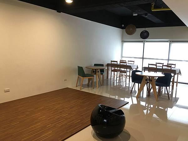 新竹教室租借-溫暖書店空間