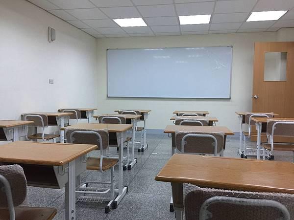 台南教室出租-不同凡想 文教機構