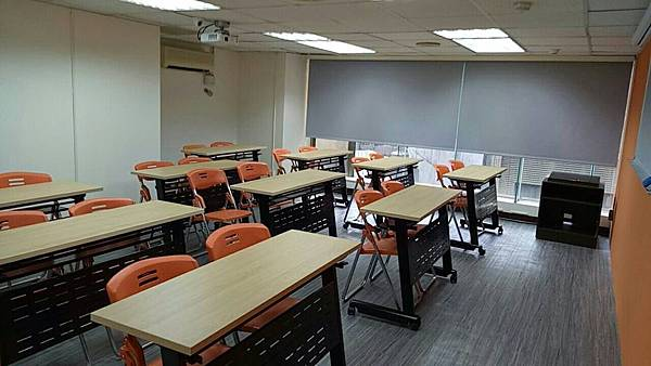 JR桃園思考致富A教室/室內照片全新設備/桃園教室場地租借.jpg