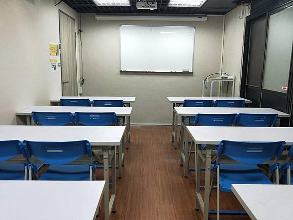 台北教室租借推薦/台北火車站教室租借/教室照片.jpg