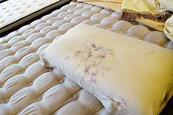 3.水冷膠-紫枕頭.JPG