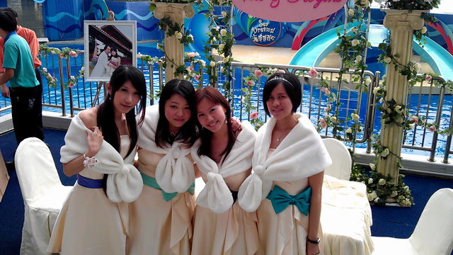 新娘的姊妹群合照