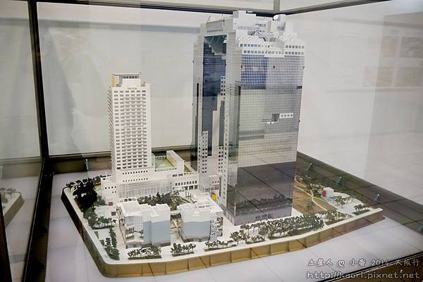 這是梅田藍天大廈外觀模型