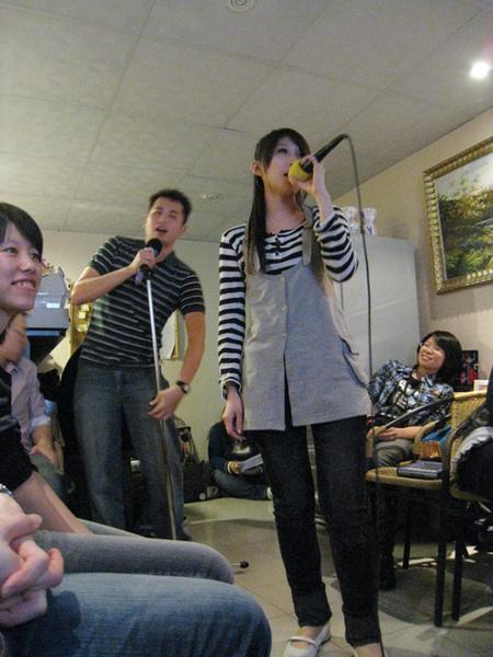 我唱的很認真喔!!