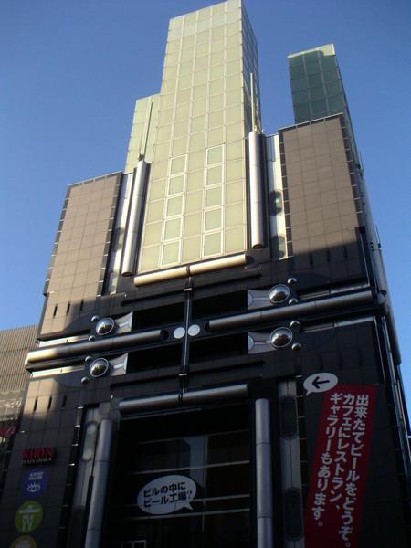 有名的日本建築師作品,而且好像是我婆婆小時候的朋友.捧個場拍一下囉