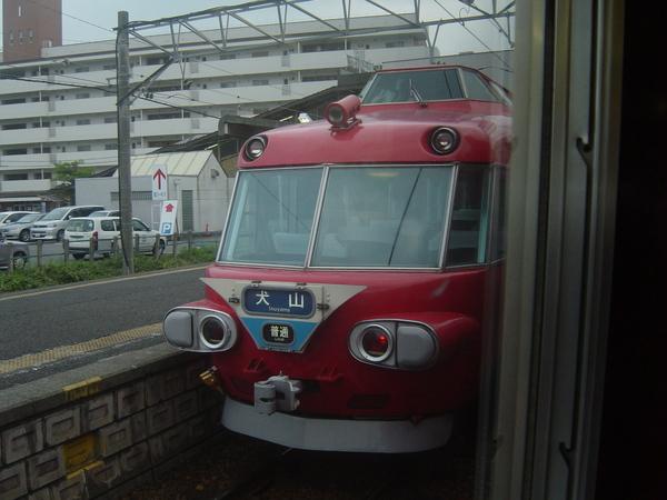 回程中看見的可愛犬山路段電車