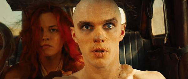 mad-max-fury-road-screenshot-nicholas-hoult-nux-4