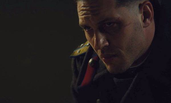 Tom_Hardy_hunts_a_killer_in_first_Child_44_trailer