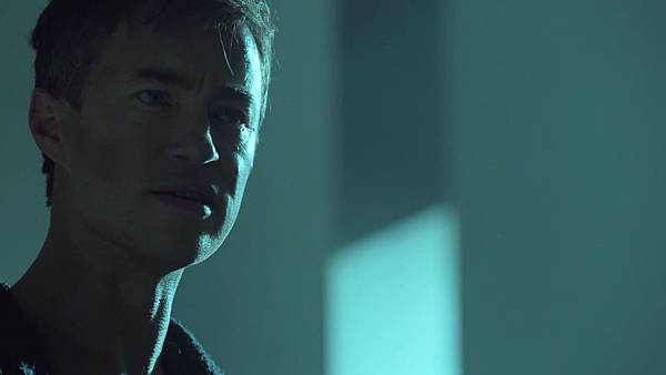 Dominion.S02E12.Day.Of.Wrath.1080p.WEB-DL.DD5.1.H.264-ECI.mkv_20151010_230131.254.jpg