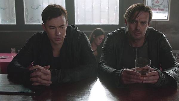 Dominion.S02E12.Day.Of.Wrath.1080p.WEB-DL.DD5.1.H.264-ECI.mkv_20151010_233257.217.jpg