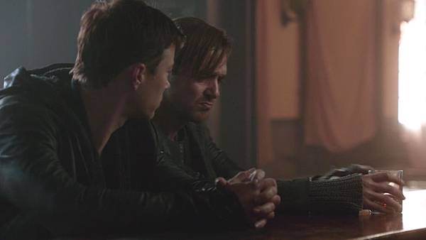 Dominion.S02E12.Day.Of.Wrath.1080p.WEB-DL.DD5.1.H.264-ECI.mkv_20151010_233333.620.jpg