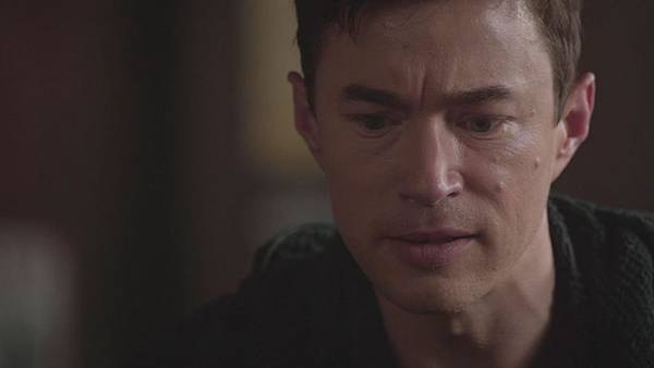Dominion.S02E12.Day.Of.Wrath.1080p.WEB-DL.DD5.1.H.264-ECI.mkv_20151011_000427.042.jpg