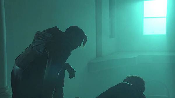 Dominion.S02E12.Day.Of.Wrath.1080p.WEB-DL.DD5.1.H.264-ECI.mkv_20151011_010406.633.jpg