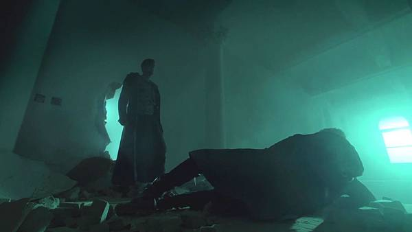 Dominion.S02E12.Day.Of.Wrath.1080p.WEB-DL.DD5.1.H.264-ECI.mkv_20151011_010656.062.jpg