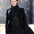 tom-hiddleston-charlie-hunnam-crimson-peak-04182014-10-435x580.jpg