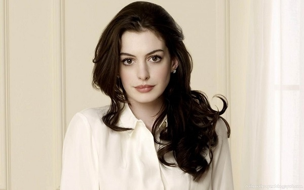 beautiful-anne-hathaway-2