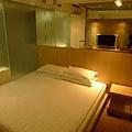 房間-1.jpg
